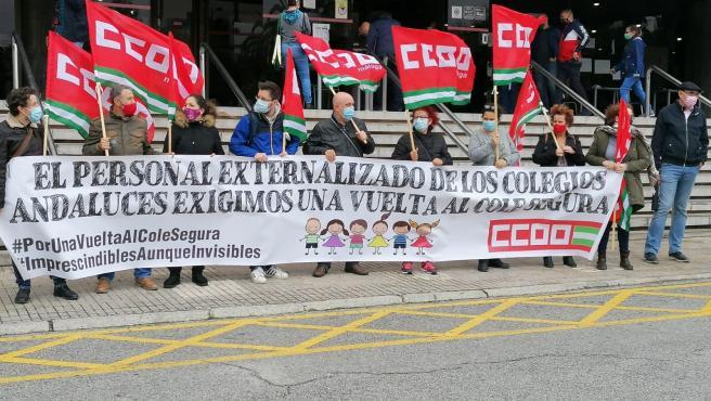 """CCOO exige reanudar """"de inmediato"""" el servicio de comedor en los 45 colegios malagueños pendientes"""