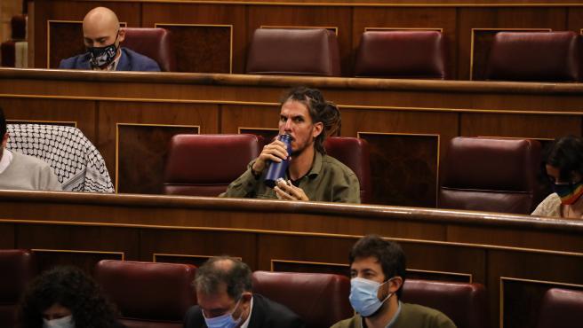 El diputado Alberto Rodríguez pide al Gobierno central y a la UE actuar ante la situación de la inmigración en Canarias