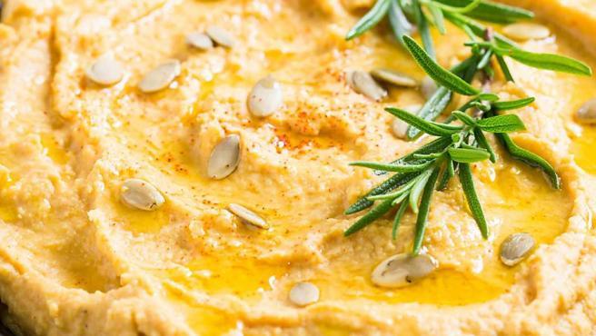 El hummus de calabaza lleva un poco más de tiempo porque pasa por el horno.