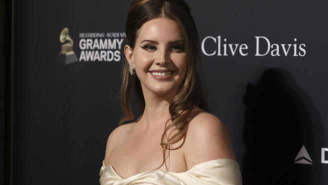 Lana Del Rey en los premiso Grammy.