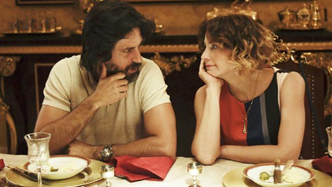 'Nasdrovia': Leonor Watling y Hugo Silva se sientan a la mesa con la mafia rusa