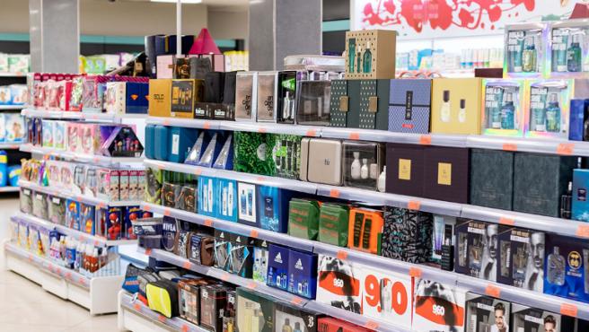 Lineal de la sección de perfumería de Mercadona.