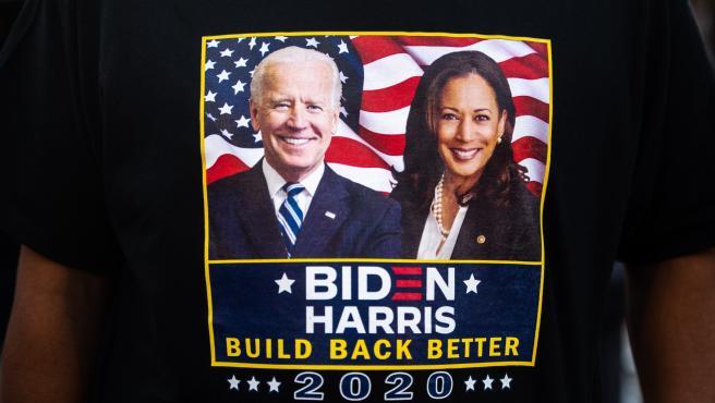 Una camiseta de la campaña de Joe Biden y Kamala Harris.