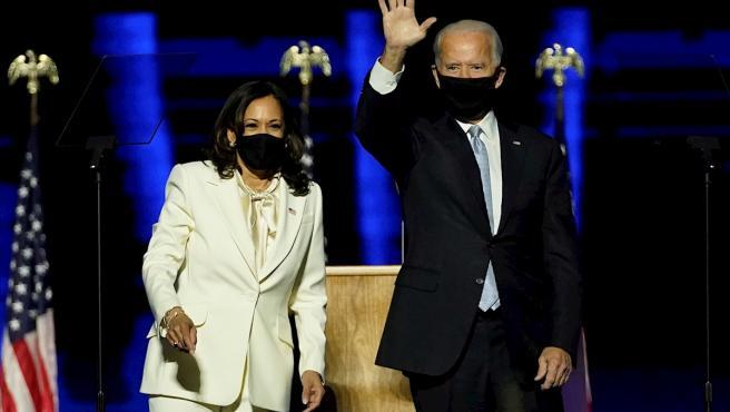 El presidente electo de EE UU, Joe Biden, junto a la vicepresidenta electa, Kamala Harris, en su primer acto público tras ganar las elecciones.