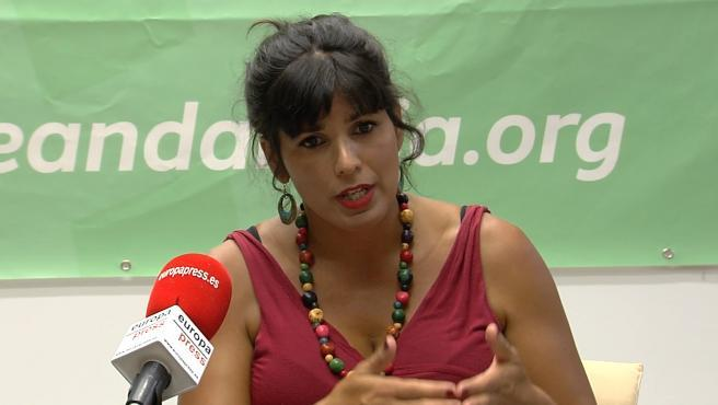 """La diputada de Adelante Andalucía acusada de transfuguismo, Teresa Rodríguez, se ha mostrado decepcionada con Unidas Podemos, manifestando en una entrevista en Andalucía Información que a pesar de haber """"confiado en su palabra"""", Pablo Iglesias la había """"traicionado""""."""