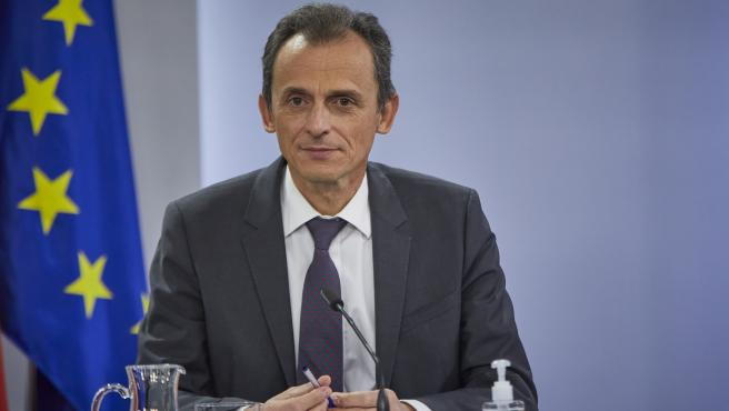 El ministro de Ciencia e Innovación, Pedro Duque, durante una rueda de prensa para informar de los acuerdos adoptados en el Consejo de Ministros del día, en La Moncloa, Madrid, (España)