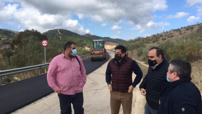 El diputado de Fomento, Francisco Oblaré, en una visita a Ardales (Málaga)
