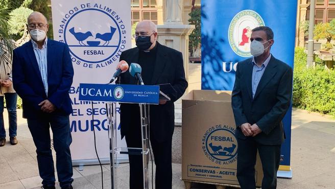 Presentación de la Campaña 'Navidad Solidaria 2020' en la que la UCAM colabora con el Banco de Alimentos