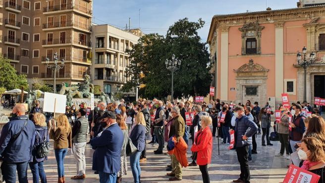 Protesta de la hostelería en la plaza de la Virgen