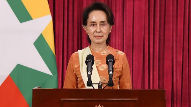 Aung San Suu Kyi, consejera de Estado de Birmania y líder del partido Liga Nacional para la Democracia, durante un discurso televisado, el día después de las elecciones en el país.