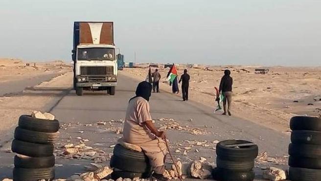 El ejército marroquí entra en el sur del Sáhara para romper el bloqueo del Frente Polisario.