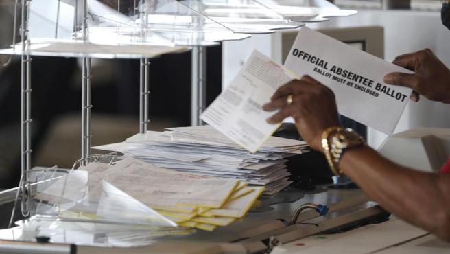 Recuento de votos en el condado de Fulton, en Georgia, tras las elecciones en Estados Unidos.