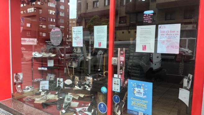 Negocios de pequeño comercio cerrados en Oviedo