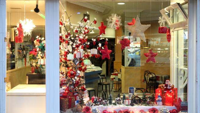 El escaparate de una tienda en la campaña de Navidad.