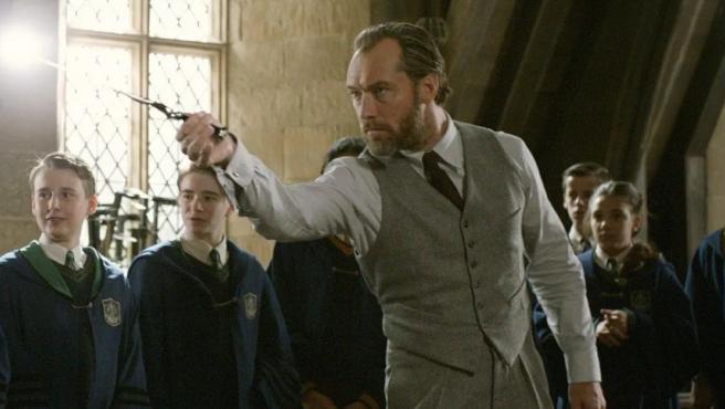 Jude Law como Albus Dumbledore en 'Animales fantásticos'