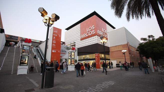 Sevilla.- Los Arcos se convierte en un gran teatro de variedades para complementar la oferta de ocio de la ciudad
