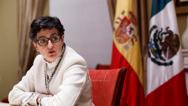 La ministra de Asuntos Exteriores, Arancha González Laya, en la residencia del embajador español en Ciudad de México.