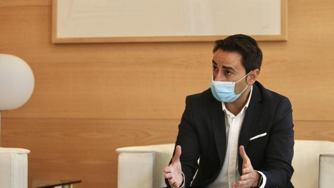 El consejero de Políticas Sociales de la Comunidad de Madrid, Javier Luengo, durante la entrevista con 20minutos.