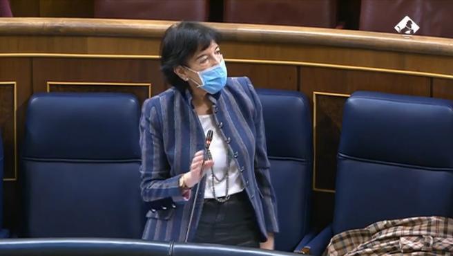 La ministra de Educación y FP, Isabel Celaá, en el Pleno del Congreso de este miércoles 18 de noviembre