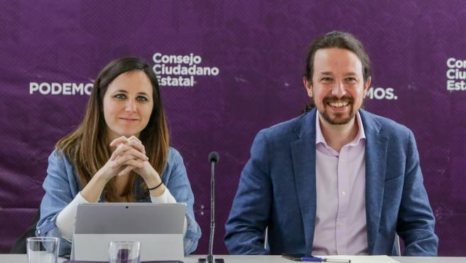 El secretario general de Podemos y vicepresidente de Derechos Sociales y Agenda 2030 del Gobierno, Pablo Iglesias, y la portavoz adjunta de Unidas Podemos en el Congreso, Ione Belarra, durante una reunión del Consejo Ciudadano Estatal (CCE