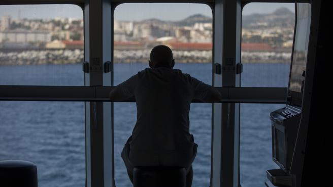 Un pasajero a bordo de una de las navieras FRS