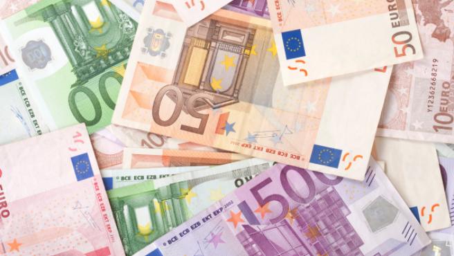 Suben los impuestos en España: ¿En qué país de la UE se pagan más tributos?