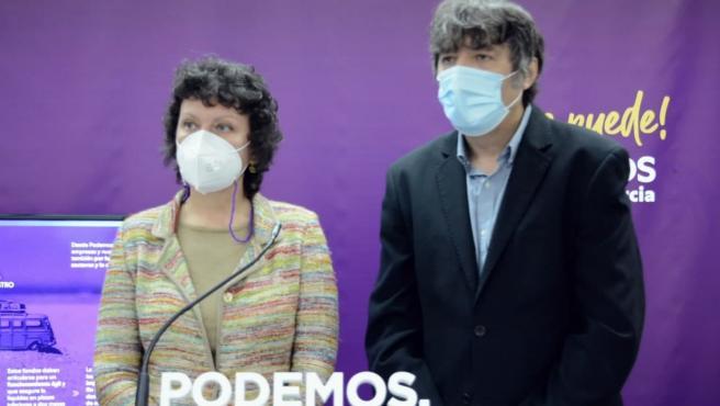 Los diputados de Podemos en la Asamblea Regional, María Marín y Rafael Esteban