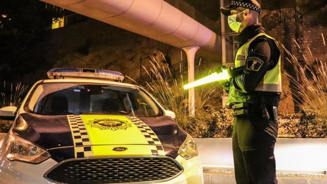 Imagen de un agente de la Policía Local de Alicante.