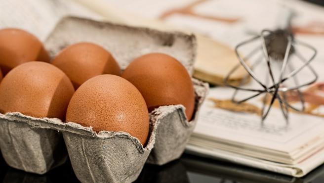 El huevo es un complemento perfecto en cualquier dieta y su yema contiene una buena dosis de vitamina B, por lo que siempre aportará un extra de energía.