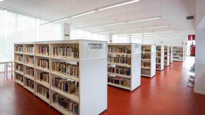 Biblioteca municipal del Centro Cïvico Ibaiondo en Vitoria-Gast