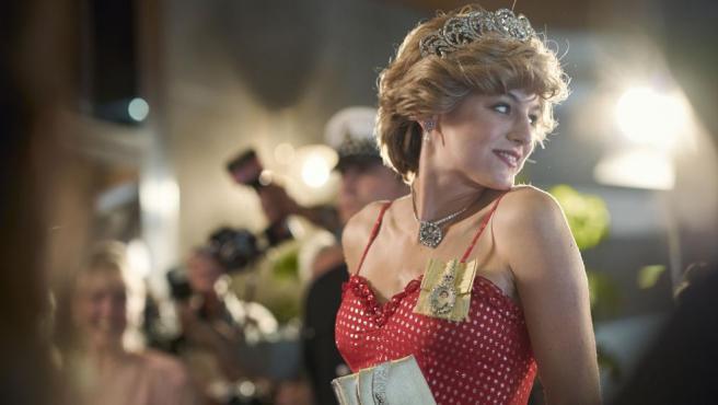 Emma Corrin es Diana Spencer en 'The Crown' 4T