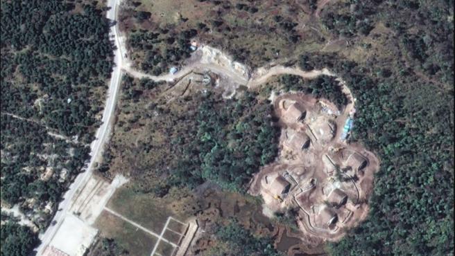 Búnkeres chinos en una zona disputada del Himalaya.