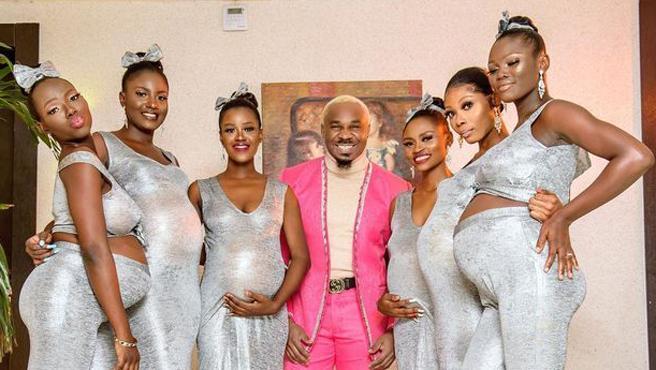 El día de tu boda esperas que todas las miradas estén puestas en ti. En tu vestido, el peinado, tu sonrisa... Sin embargo, Mike Eze-Nwalie Nwogu eclipsó el día más especial de unos novios cuando se presentó del brazo de seis mujeres, todas ellas embarazadas, y afirmando que él era el padre de todos los bebés.