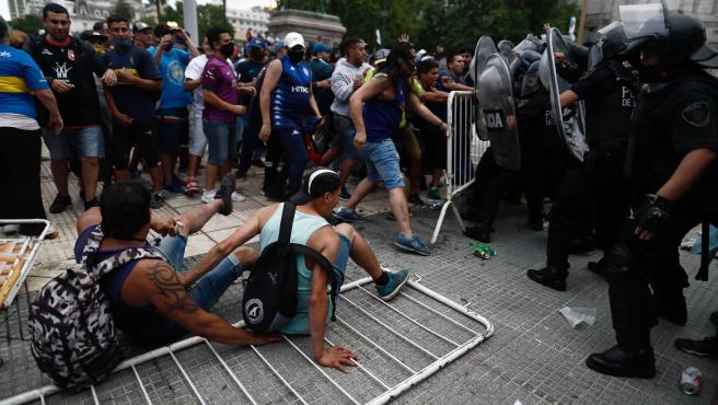 Disturbios fuera de la Casa Rosada