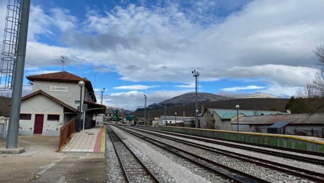 Estación de Guardo, en la línea de ancho métrico León-Guardo.