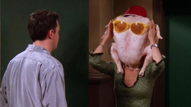Courteney Cox en la escena del pavo de Acción de Gracias