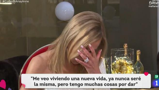 La actriz y presentadora Ana Obregón se emociona en una entrevista en el programa 'Corazón' de TVE.