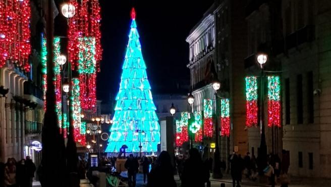 Iluminación del árbol de Navidad en la Puerta del Sol.