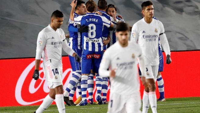 Real Madrid cae ante Alavés y liga tres juegos sin ganar en LaLiga