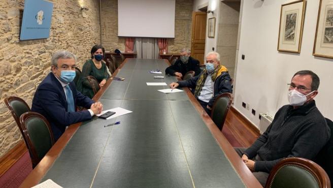 Luis Garicano (Cs) se reúne con comerciantes en Santiago.