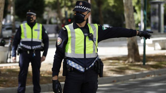 La Polic'a Local de Granada realiza controles de tr‡fico en los accesos de la ciudad debido al cierre perimetral establecido a causa del incremento de personas infectadas por coronavirus en la capital y su ‡rea metropolitana.