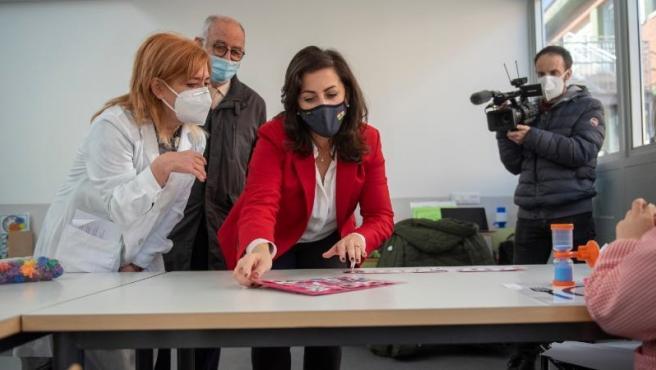 La presidenta del Gobierno de La Rioja, Concha Andreu, y el consejero de Educación, Cultura, Deporte y Juventud, Pedro Uruñuela, han visitado en la mañana de hoy el nuevo espacio ampliado del Colegio de Educación Especial Marqués de Va