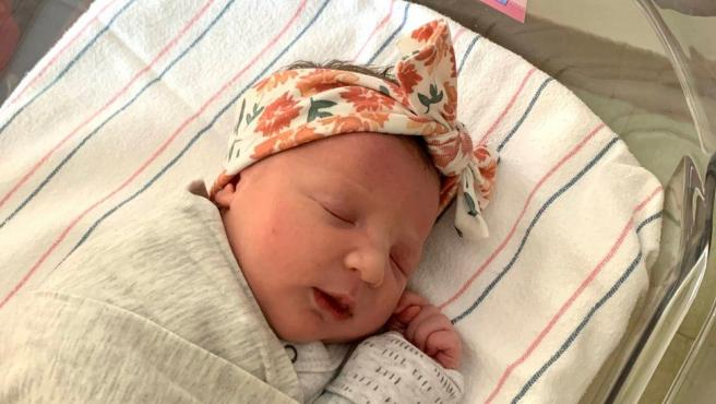 Molly, la bebé nacida de un embrión congelado