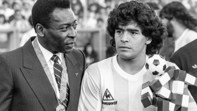 Pelé y Maradona, en Zurich (Suiza), en 1987.