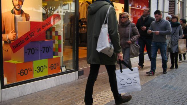 La Generalitat aprueba los once días de apertura de comercios en domingos y festivos