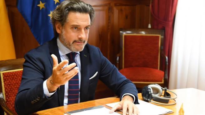El presidente de la Calre y el Parlamento de Canarias, Gustavo Matos
