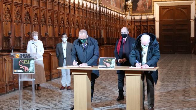 Firma el convenio en la Cartula de Aula Dei.
