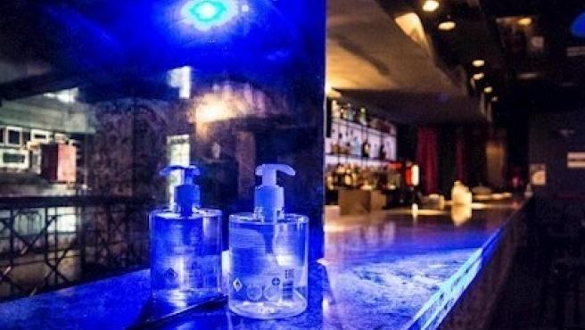 Imatge de recurs de la barra d'una discoteca