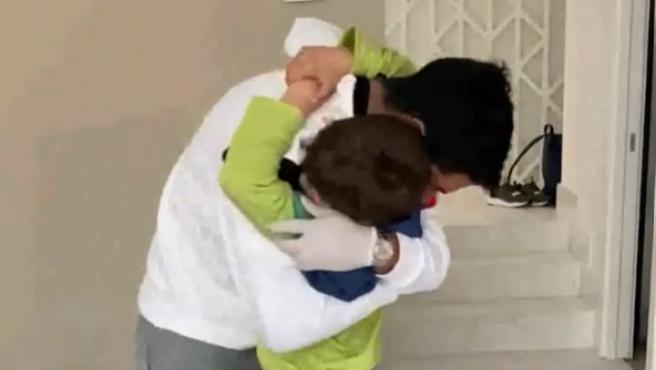 Luis Suárez y su hijo