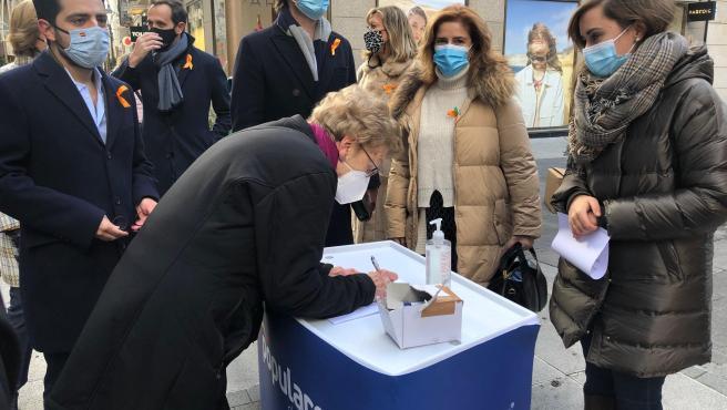 Recogida de firmas del PP contra la Ley Celaá